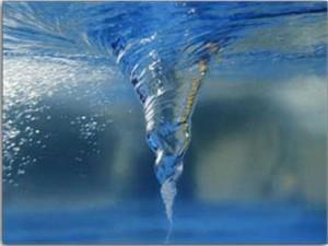 13.03.24. arremolinar el agua sube la alcalinidad Wasserwirbel_klein